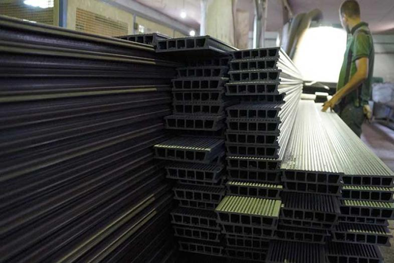 Обучение сотрудников ГК «Террадек» на производстве террасной доски из ДПК